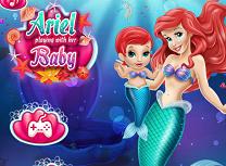 Ariel Se Joaca cu Bebelusul