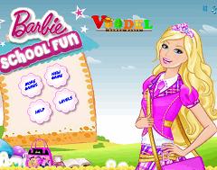 Barbie la Scoala