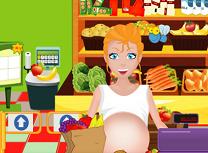 Femeia Gravida Curata in Supermarket