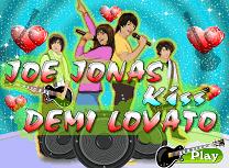Joe Jonas si Demi Lovato