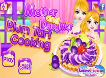 Mama si Fiica Gatesc Tarte cu Prune