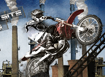 Motociclisti in Zona Industriala