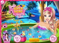 Super Barbie la Salonul de Infrumusetare