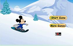 Mickey Mouse cu Snowboardul