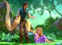 Puzzle cu Rapunzel si Flynn in Natura