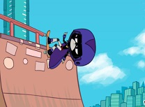 Raven pe Skateboard